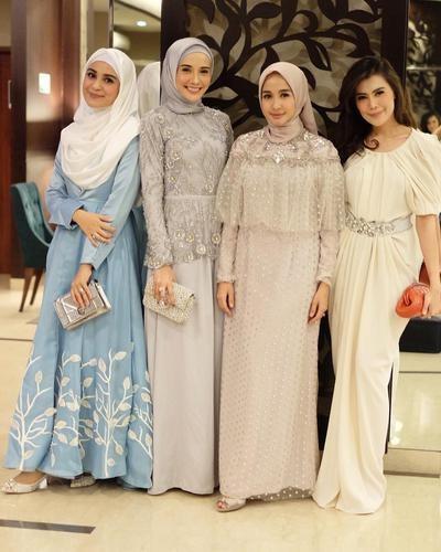 Design Gaun Pengantin Muslimah Untuk Tubuh Mungil Y7du Jangan Sampai Salah Ini Inspirasi Gaun Ke Pesta Hijabers