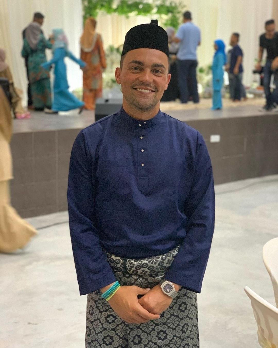 Design Gaun Pengantin Muslimah Warna Merah Tldn Instagram Posts at Jempol Negeri Sembilan Malaysia