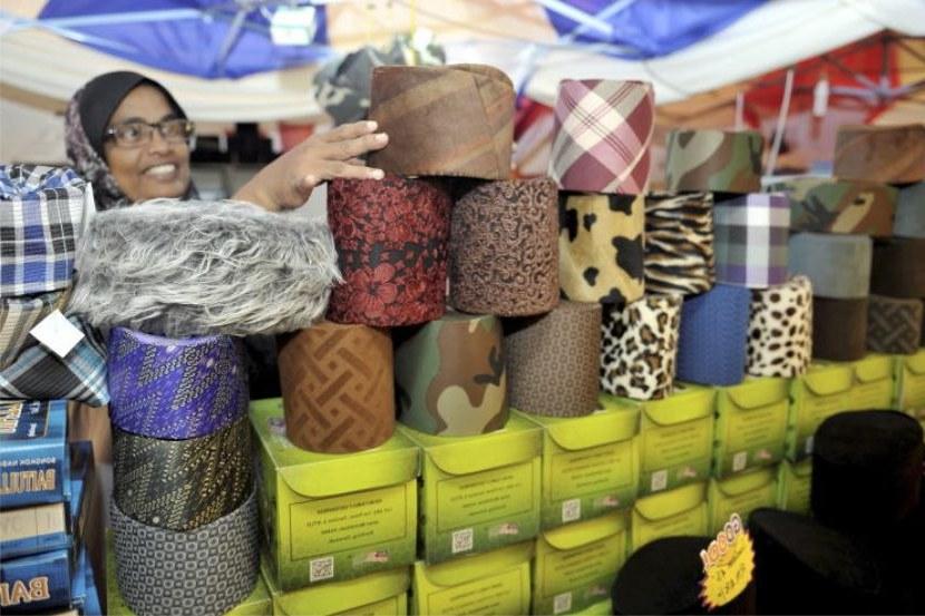 Design Harga Baju Pengantin Muslim 9ddf Gaya songkok Baharu Corak Kek Lapis Kain Pelikat