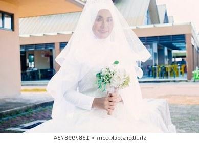 Design Model Gaun Pengantin Muslimah Tldn Muslim Nikah Stock S & Vectors