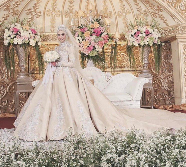 Gaun Pengantin Cantik Berhijab Luxury 15 Inspirasi Gaun Pengantin Muslimah Yang Modern
