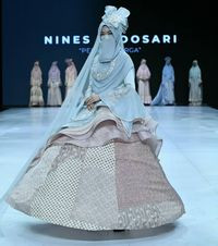 Gaun Pengantin Muslimah Bercadar Luxury Desainer Bandung Rilis Baju Pengantin Bercadar Dijual Rp 20