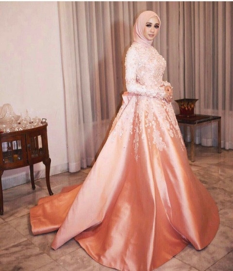 Gaun Pengantin Muslimah Modern Elegan Inspirational √ 18 Model Baju Pesta Muslim 2019 Edisi Gaun Pesta