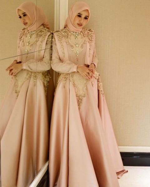 Gaun Pengantin Muslimah Modern Elegan Unique √ 18 Model Baju Pesta Muslim 2019 Edisi Gaun Pesta