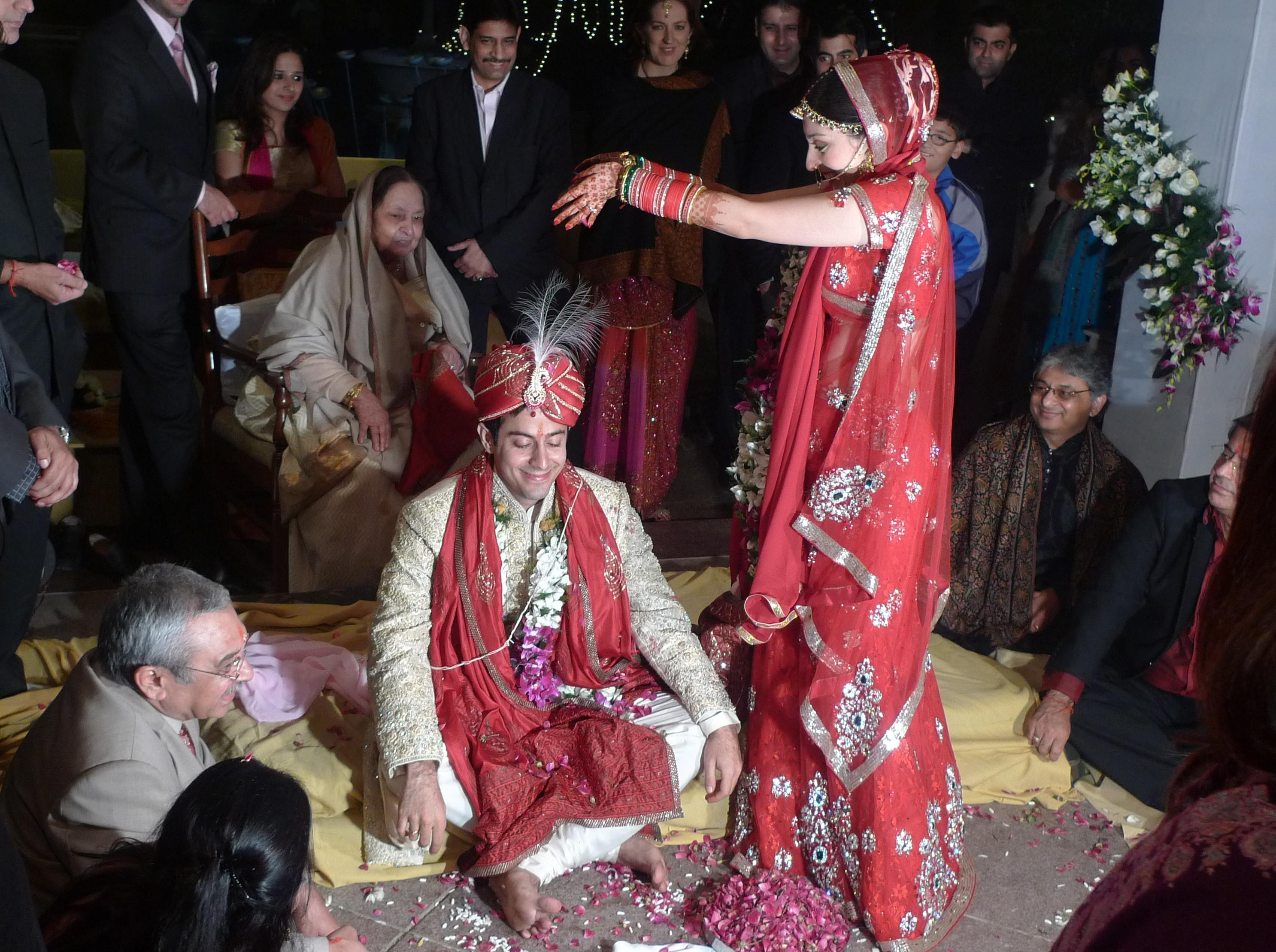 Gaun Pengantin Muslimah Modern Fresh Wedding