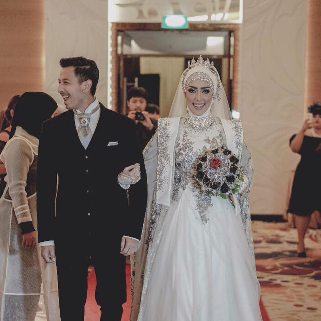 Gaun Pengantin Muslimah Modern Warna Putih Inspirational 10 Inspirasi Gaun Pengantin Muslimah Ber A Modern Bak