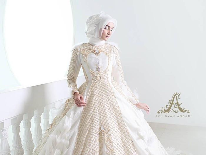 Gaun Pengantin Muslimah Modern Warna Putih Luxury 8 Inspirasi Gaun Pengantin Muslimah Dari Artis Hingga Selebgram