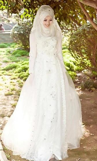 Gaun Pengantin Muslimah Modern Warna Putih Luxury Gaun Pengantin Muslimah Modern Warna Gold