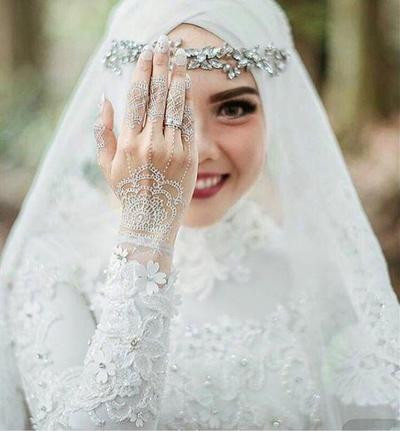 Gaun Pengantin Muslimah Modern Warna Putih Luxury Tampak Elegan Ini Dia 5 Warna Gaun Pengantin Muslimah