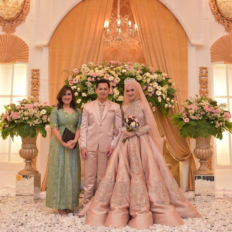 Gaun Pengantin Muslimah Modern Warna Putih New 10 Inspirasi Gaun Pengantin Muslimah Ber A Modern Bak