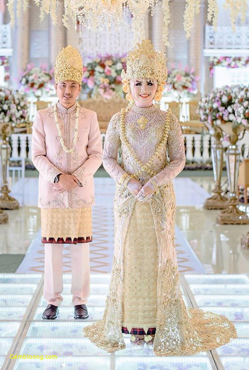 Gaun Sederhana Pengantin Berhijab New 20 Inspirasi Gaun Pernikahan Untuk Calon Pengantin Berhijab