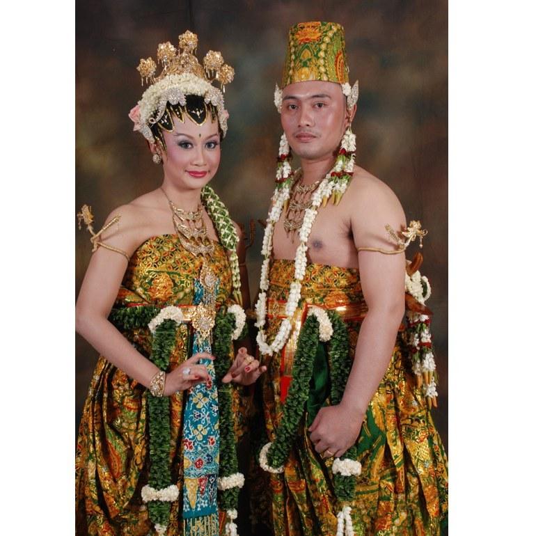 Ide Baju Pengantin Dodotan Muslim S1du Dodotan Adat Jawa Dodotan Raffi Nagita Kebaya Basahan Modern Murah Kebaya Pengantin Basahan Jawa