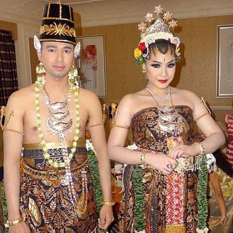 Ide Baju Pengantin Muslim Adat Jawa Thdr Dodotan Adat Jawa Dodotan Raffi Nagita Kebaya Basahan Modern Murah Kebaya Pengantin Basahan Jawa