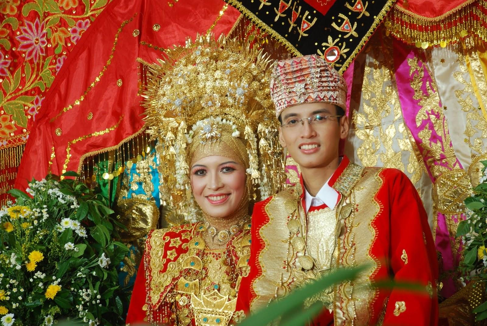 Ide Baju Pengantin Muslim Modern H9d9 National Costume Of Indonesia
