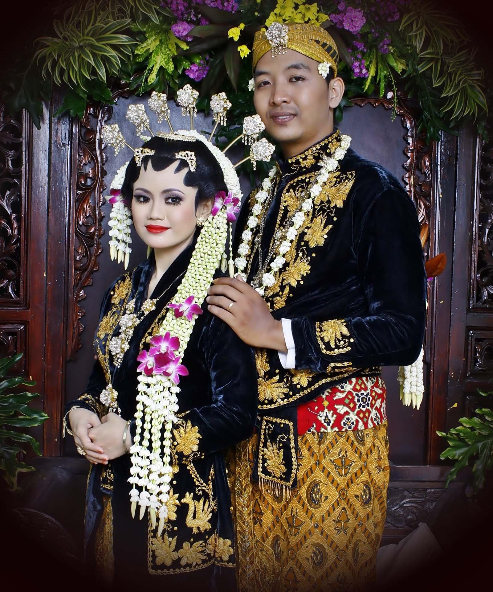 Ide Baju Pengantin Muslimah Jawa Syar'i Jxdu Model Baju Pengantin Tradisional Jawa Timur 853x1024 Model