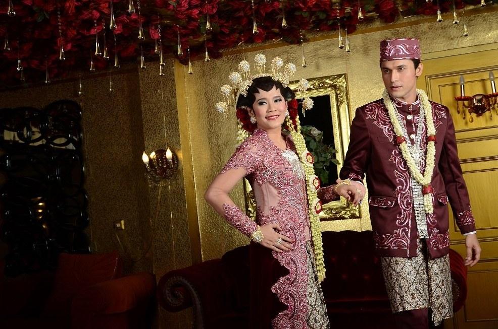 Ide Baju Pengantin Muslimah Jawa Syar'i S1du Kebaya Putih Pengantin Nia Ramadhani