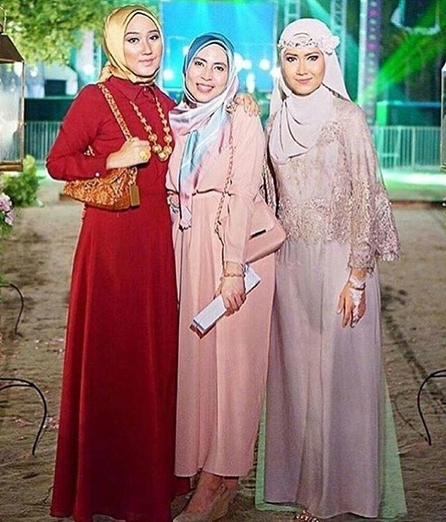 Ide Baju Pesta Pernikahan Muslimah Etdg 17 Model Baju Gaun Terbaru Untuk Pesta Cantik Dan Anggun