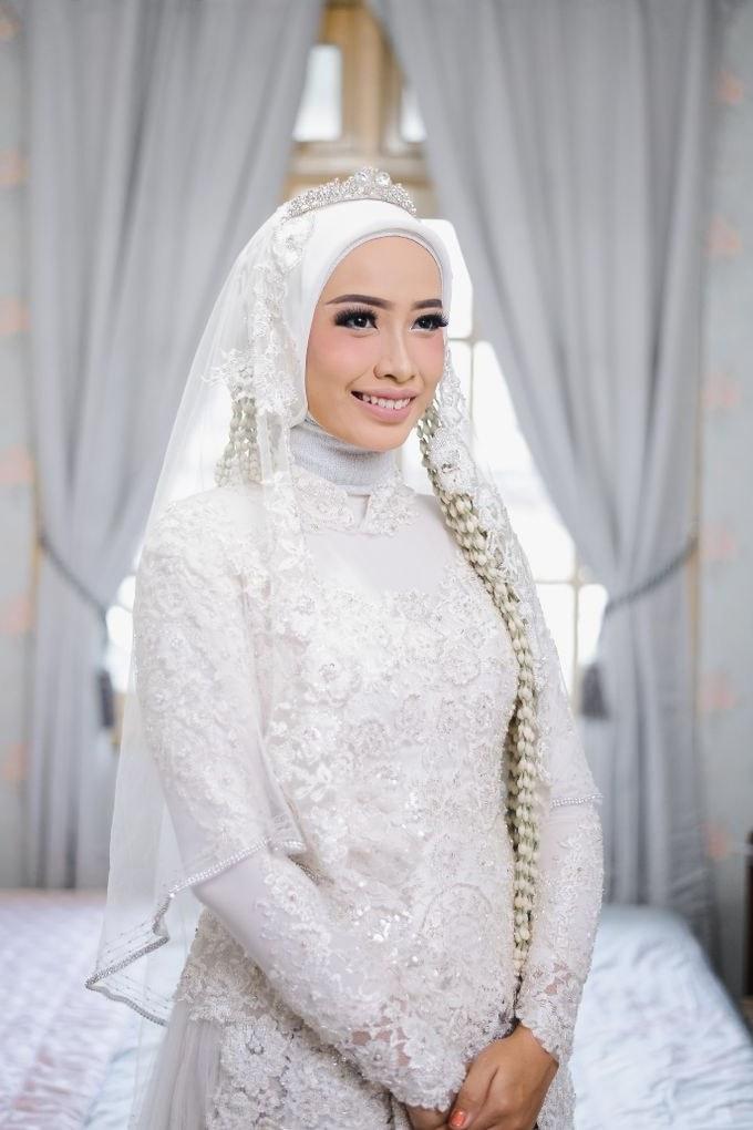Ide Dress Pernikahan Muslimah 3id6 Kebaya Akad Nikah White Elegant by Laksmi Kebaya Muslimah