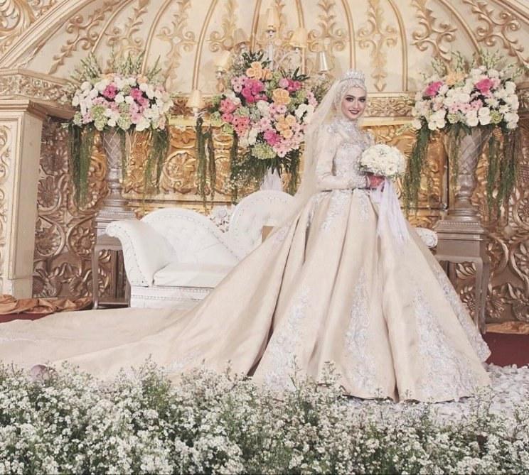 Ide Dress Pernikahan Muslimah Dddy 15 Inspirasi Gaun Pengantin Muslimah Yang Modern