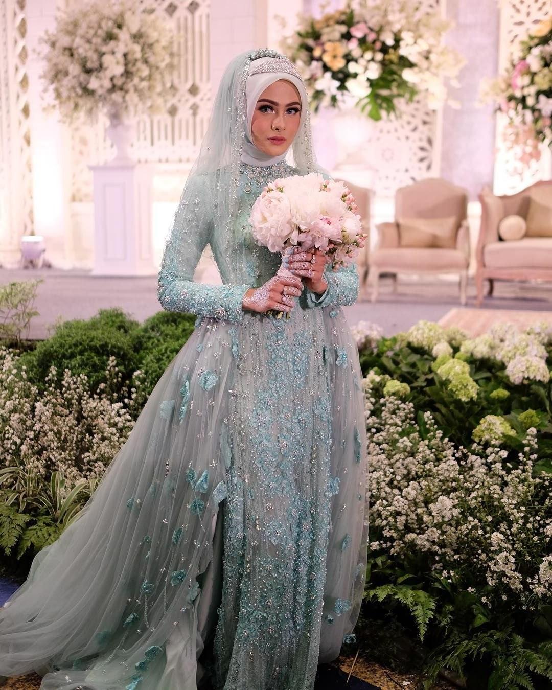 Ide Dress Pernikahan Muslimah Kvdd 12 Desain Gaun Pernikahan Muslimah Elegan Nan Sederhana
