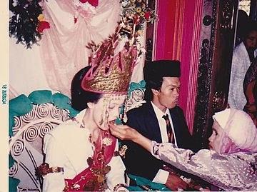 Ide Gaun Pengantin Kebaya Muslim Modern Mndw National Costume Of Indonesia Wikiowl