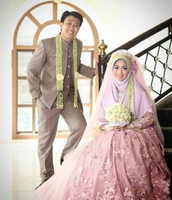 Ide Gaun Pengantin Muslimah Brokat J7do 4 Inspirasi Gaun Pengantin Muslimah Terindah Untuk