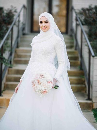 Ide Gaun Pengantin Muslimah Brokat S1du Jadi Ratu Sehari 5 Inspirasi Gaun Pengantin Berhijab Yang