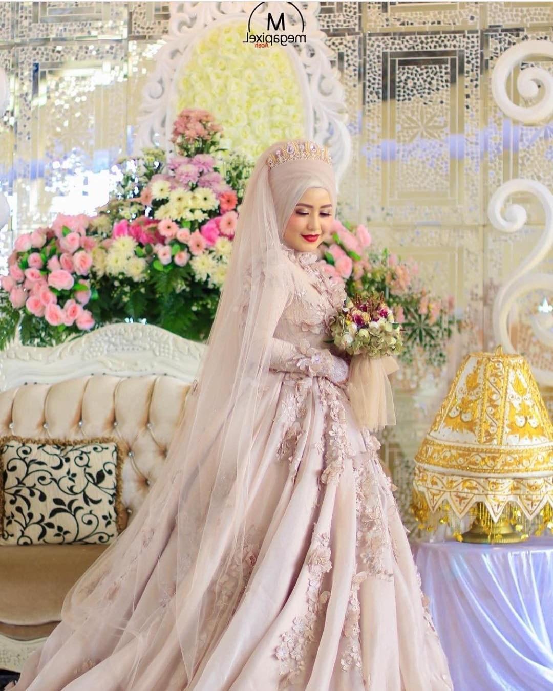 Ide Gaun Pengantin Muslimah Yang Syar'i Fmdf 17 Model Baju Pengantin Muslim 2018 Desain Elegan Cantik