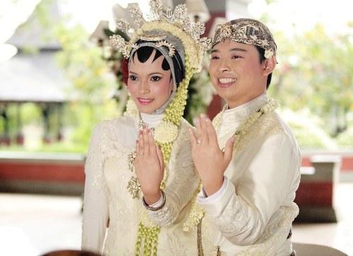 Inspirasi Baju Pengantin Muslim Adat Sunda Whdr Baju Pernikahan Adat Sunda Berhijab