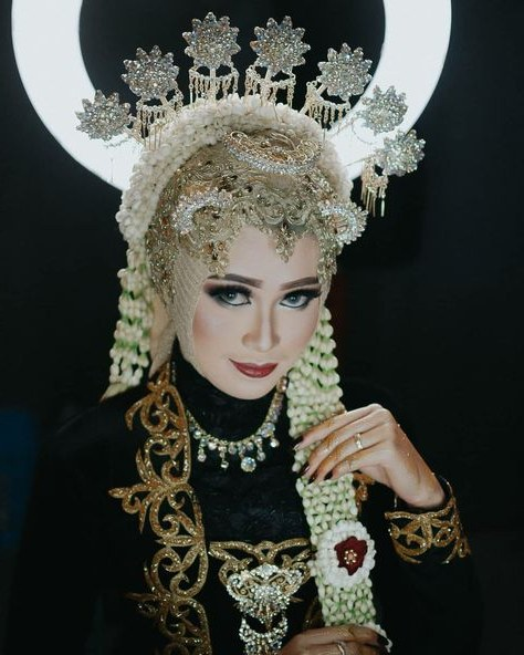 Inspirasi Busana Pengantin Berhijab E6d5 List Of Jawa Adat Hijab Images and Jawa Adat Hijab Pictures