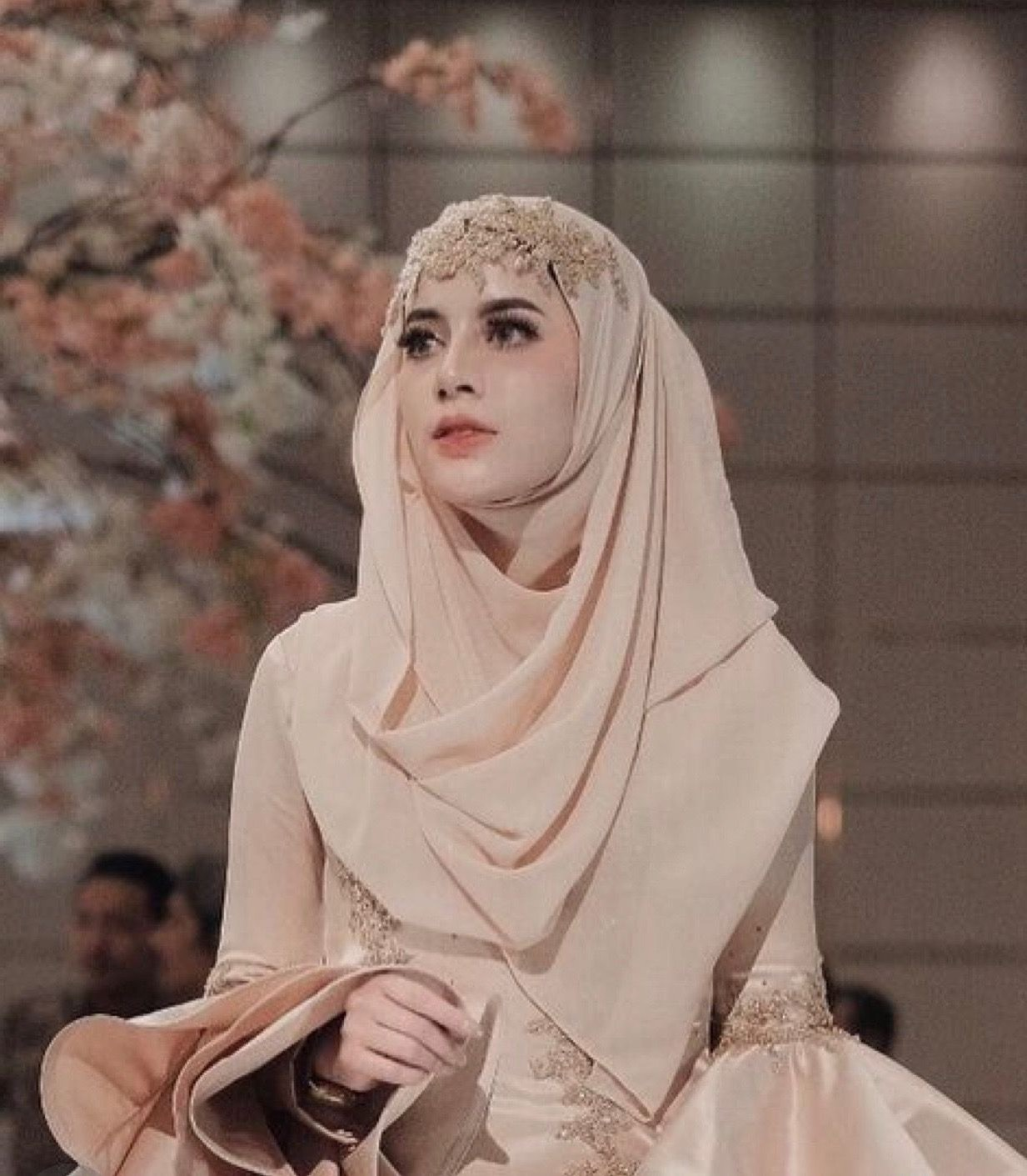 Inspirasi Busana Pengantin Berhijab Y7du Pin Oleh Warda Derosallia Di Hijab Mesir Cleopatra Di 2019