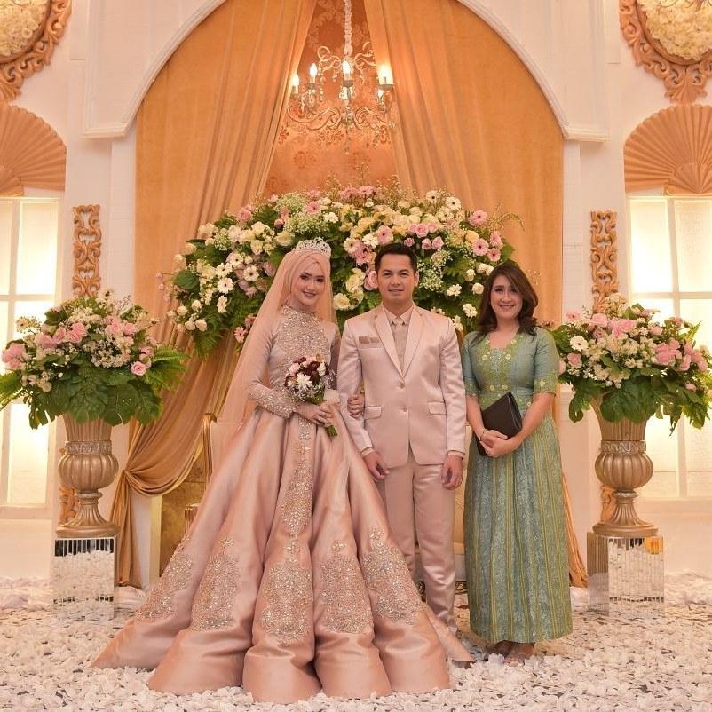 Inspirasi Busana Pengantin Muslimah Modern 3ldq 10 Inspirasi Gaun Pengantin Muslimah Ber A Modern Bak