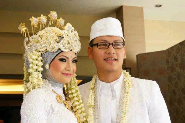 Inspirasi Gaun Pengantin Adat Sunda Muslim Ffdn Ade Juariah Aadjrhyaya123 On Pinterest