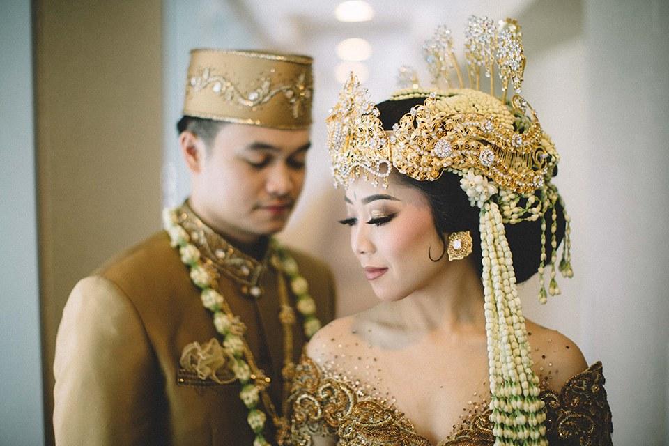 Inspirasi Gaun Pengantin Adat Sunda Muslim Wddj Cantik Ini Dia Pakaian Pengantin Adat Sunda Yang Elegan