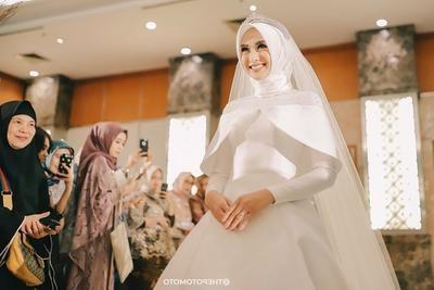 Inspirasi Gaun Resepsi Pernikahan Muslimah 3id6 Tren Desain Baju Pengantin Dengan Beberapa Model Ini Lagi