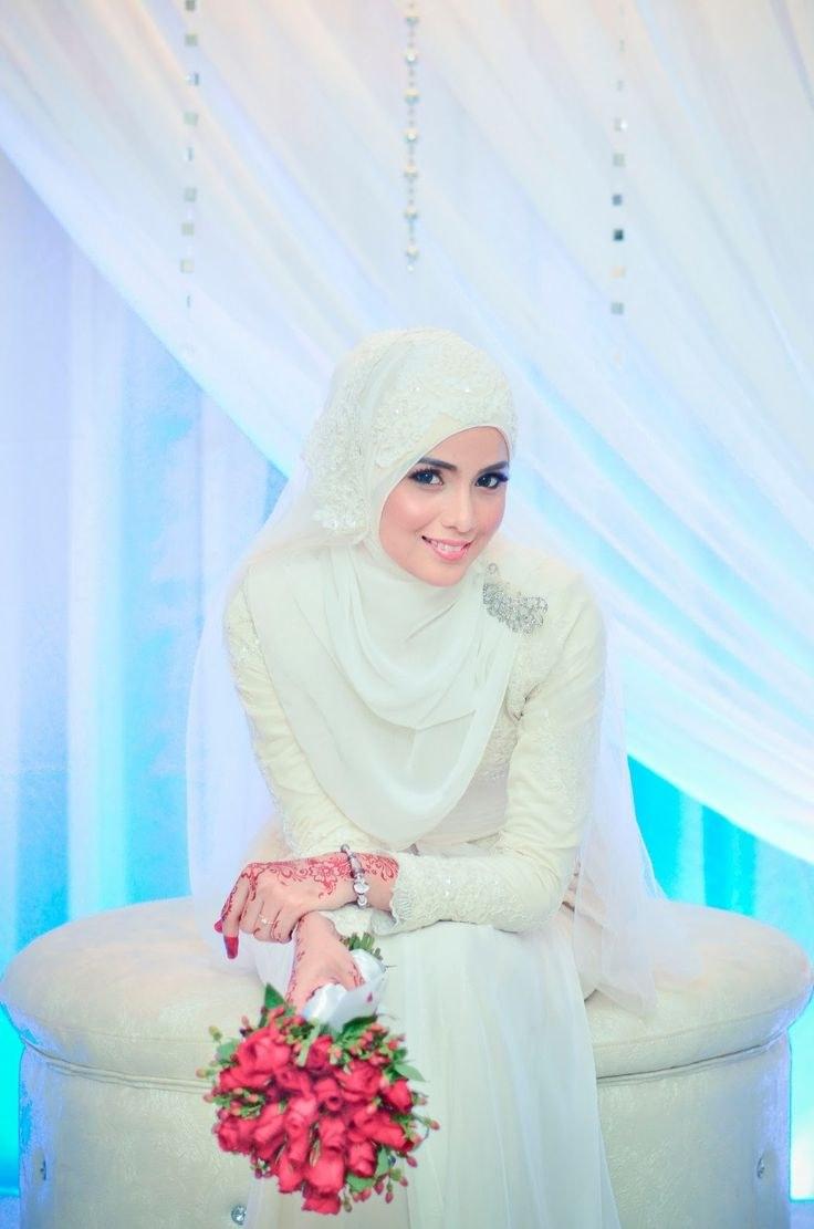 Inspirasi Gaun Resepsi Pernikahan Muslimah Dwdk 9 Model Hijab Menutup Dada Pilihan Untuk Pesta Pernikahanmu