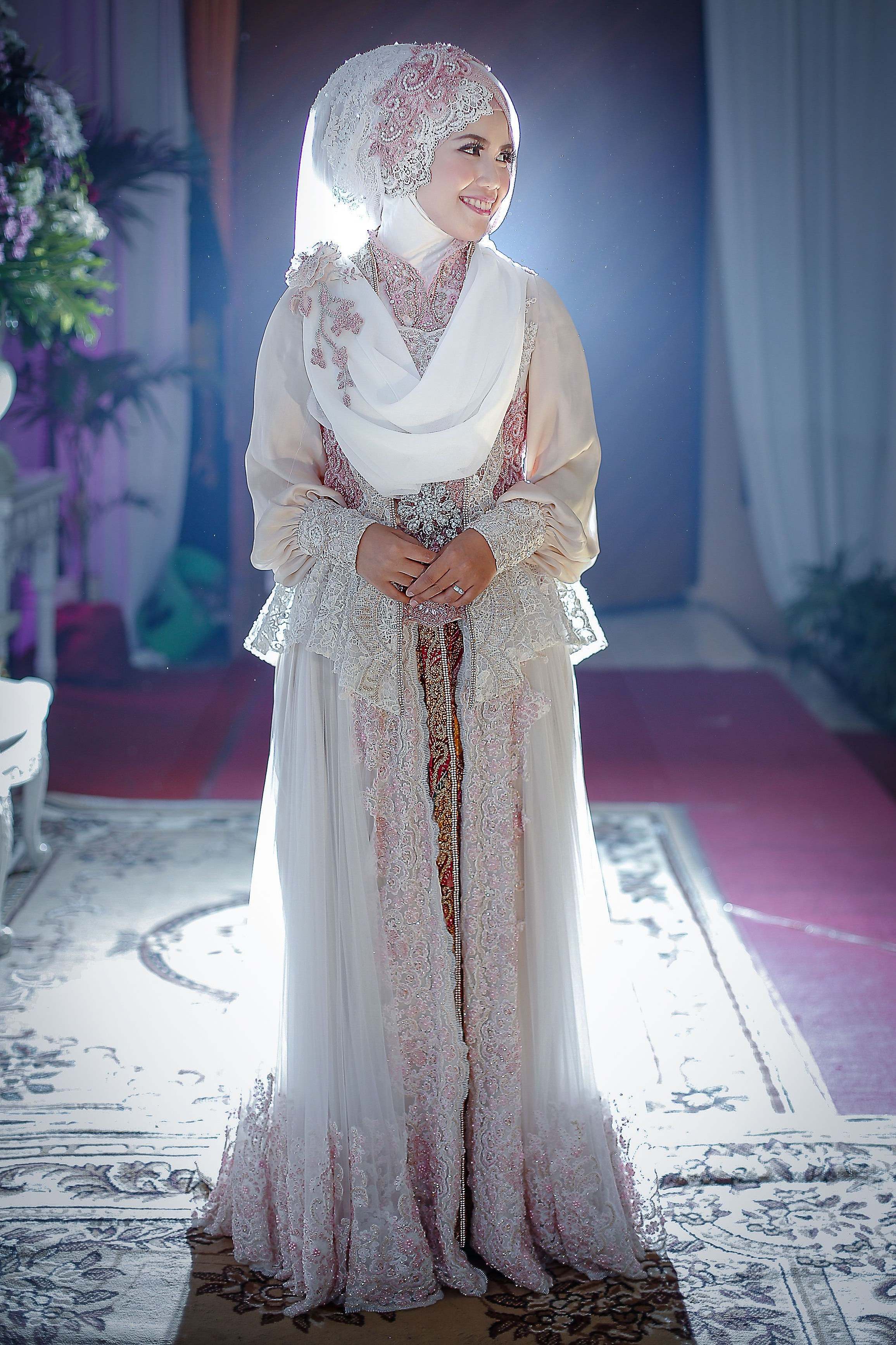 Model Baju Pengantin Muslimah Dian Pelangi 9ddf the Bride In Kebaya Wedding Dress Wedding Shot List Bride