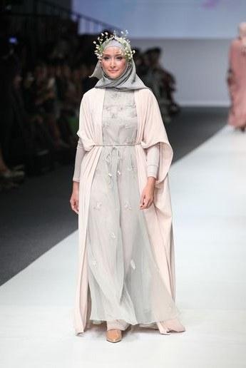Model Baju Pengantin Muslimah Dian Pelangi Mndw Baju Pengantin Muslim Dan Berjilbab