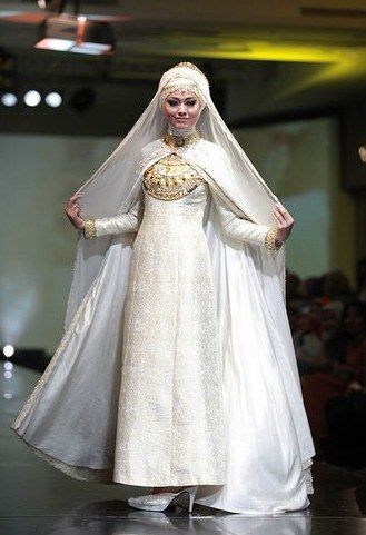Model Baju Pengantin Muslimah Dian Pelangi Tldn Foto Desain Baju Pengantin Desain Pernikahan