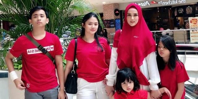 Model Baju Pengantin Muslimah Dian Pelangi Wddj Putri Sulung Mulan Jameela Pamer Foto Perdana Bareng Pria