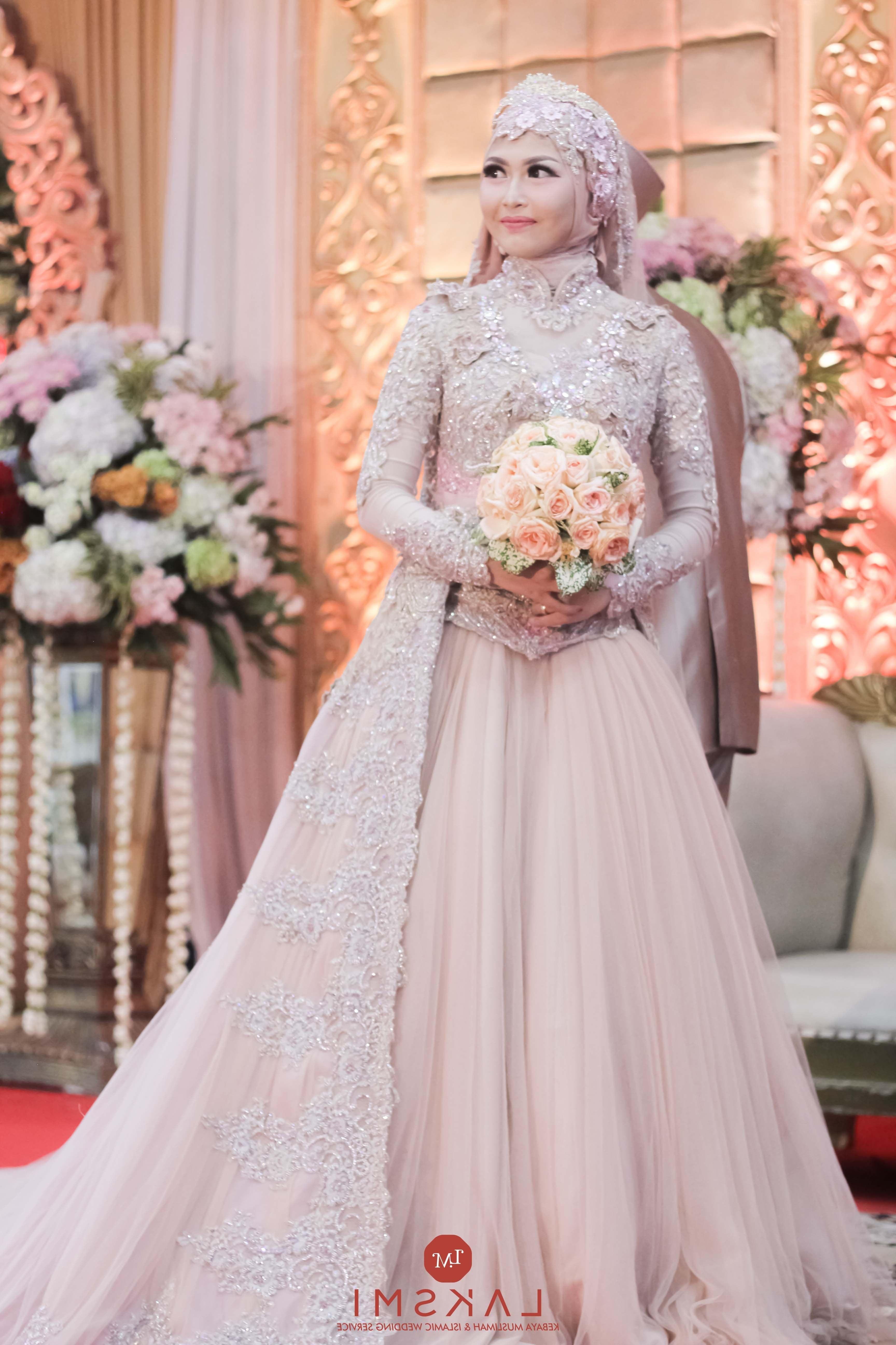 Model Baju Pengantin Muslimah Dian Pelangi Xtd6 the Bride In Kebaya Wedding Dress Wedding Shot List Bride
