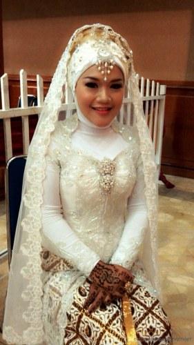 Model Desain Gaun Pengantin Muslimah Budm 24 Gaun Pengantin Muslimah Sederhana Tapi Modern