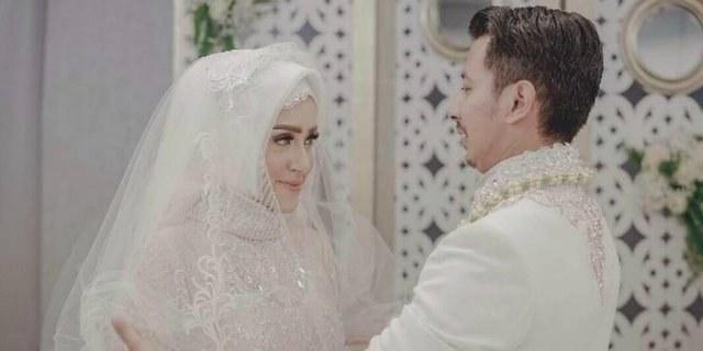 Model Desain Gaun Pengantin Muslimah Ftd8 3 Desainer Di Balik Kemewahan Gaun Pengantin Fairuz Arafiq