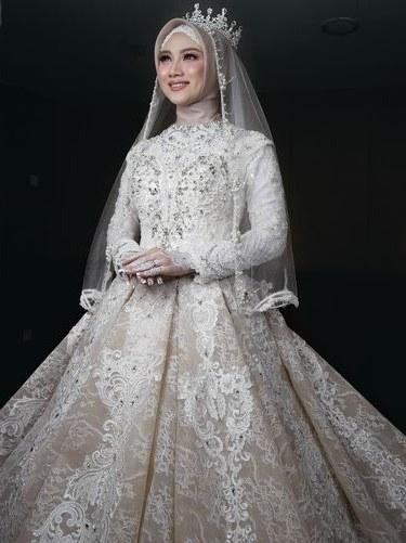 Model Desain Gaun Pengantin Muslimah Ftd8 8 Inspirasi Gaun Pengantin Muslimah Dari Artis Hingga Selebgram