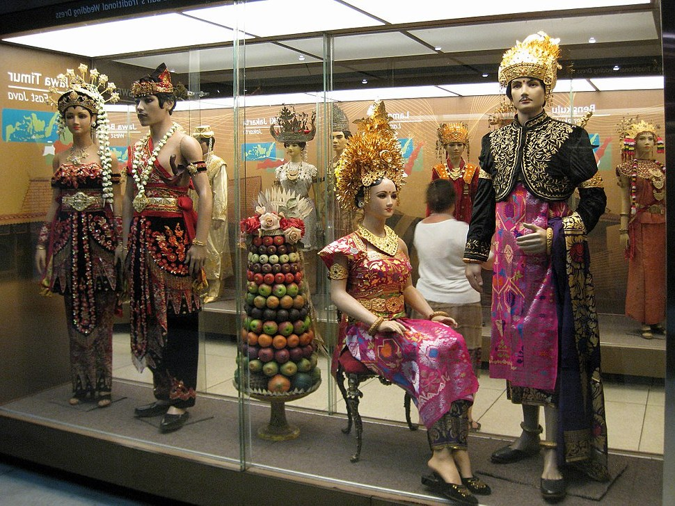 Model Gaun Pengantin Muslim Eropa E9dx National Costume Of Indonesia Howling Pixel