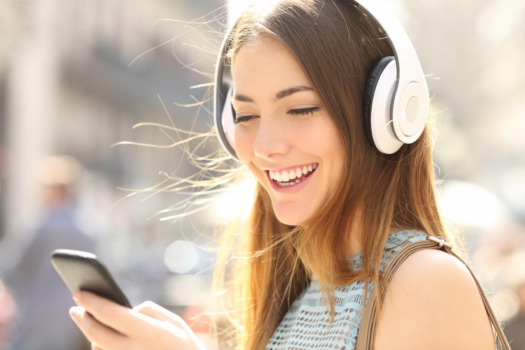 Model Gaun Pengantin Muslim Eropa Tqd3 Słuchawki Bezprzewodowe Czy Warto