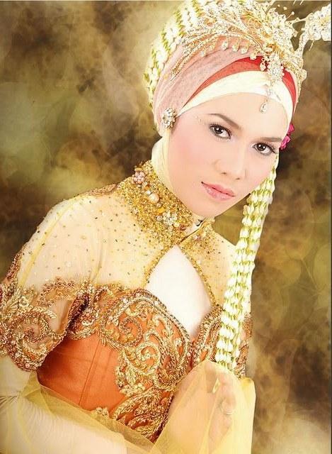 Model Gaun Pengantin Muslim Modifikasi Dddy Kebaya Muslim Modern Untuk Akad Nikah Anne Avantie