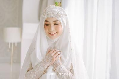 Model Gaun Pengantin Muslimah Untuk orang Gemuk J7do Inspirasi Gaun Pengantin Modern Ala Publik Figur Ini Super