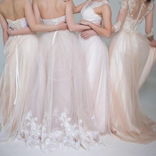 Model Gaun Pengiring Pengantin Muslim Tqd3 10 Inspirasi Tren Gaun Pernikahan Yang Cantik Dan Kekinian