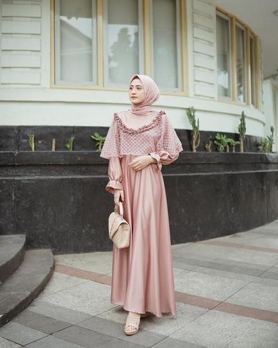 Model Gaun Pesta Pernikahan Muslimah Dwdk 7 Ide Baju Kondangan Simple Nan Elegan Untuk Pesta Siang Dan